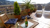French Riviera > Nice > Nice 2-Bed Penthouse with Rooftop Terrace