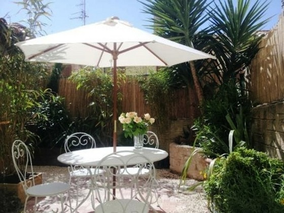French Riviera > Cannes > Cannes old town > Cannes Old Town Garden Terrace Apartment