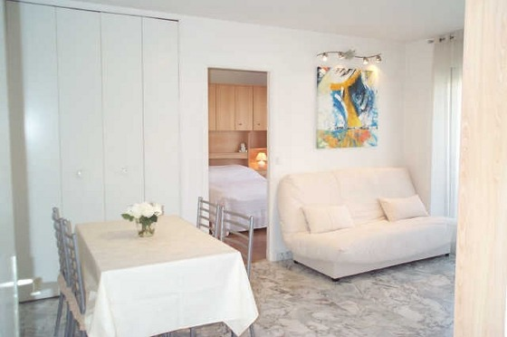 California Beach 1-Bed Apartment in Nice Promenade, Nice, French Riviera
